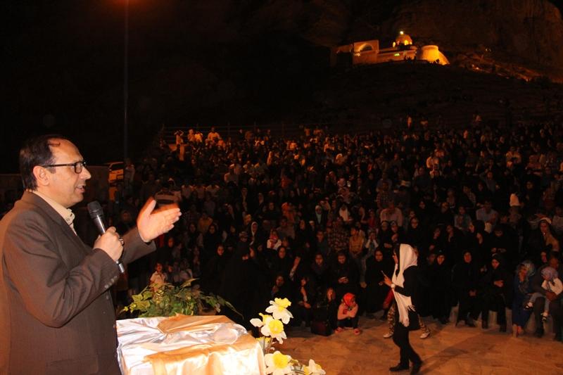 جشن بزرگ روز جوان در شهرستان قاينات برگزار گرديد.