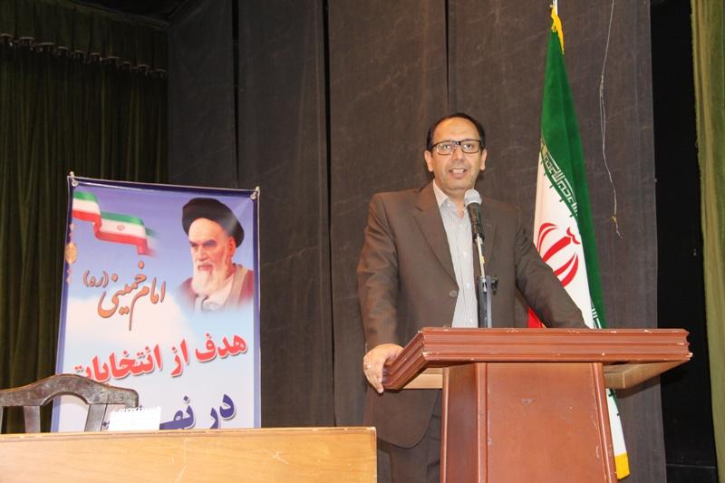 انتخابات در جمهوري اسلامي ايران نشانه عزت، اقتدار و مصداق عيني مردم سالاري ديني است.