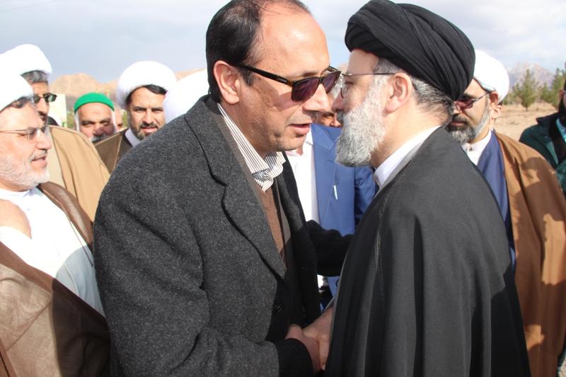 استقبال كهن ترابي فرماندار قائنات از آيت ا... رئيسي