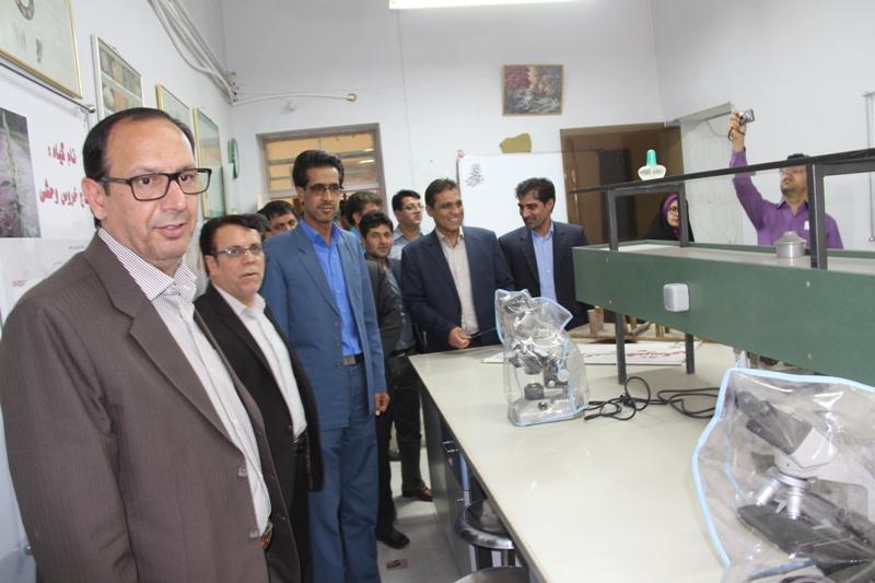 بازديد فرماندار قاينات از مركز تحقيقات و آموزش كشاورزي و منابع طبيعي اسلام آباد