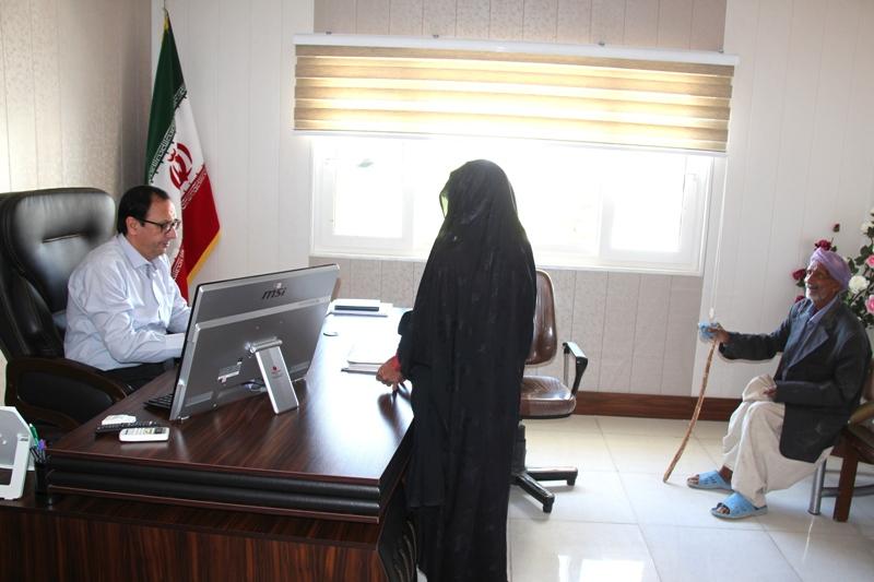 فرماندار قاينات با تعدادي از مردم اين شهرستان در محل دفتر كارشان ملاقات كرد.